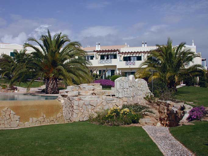 Casa BEA, Vakantiehuis met gemeenschappelijk zwembad, Praia da Luz Algarve Portugal