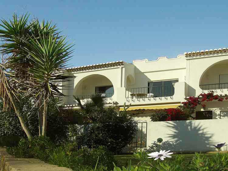 Casa CLD, Portugees Vakantie huisje met Zeezicht in Praia da Luz in de Algarve, Portugal