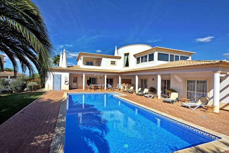 Villa CSB met verwarmbaar zwembad in Lagos, Algarve Portugal