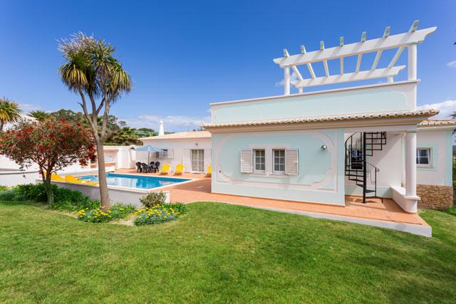 Villa MLG Zwembad en Tuin met BBQ, Budens Algarve Portugal
