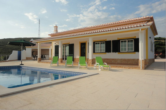 Villa JPM near Odiáxere, Algarve, Portugal, holiday home with pool for maximum of 6 people for rent