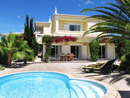 Villa QRD in Lagos, Algarve, Portugal, holiday home with pool for up to 8 people for rent